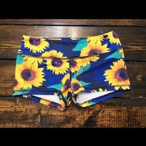 Fleo Sunflower Shorts